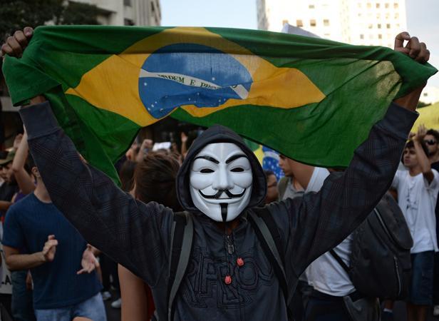 Brésil : Dilma Rousseff annonce un «grand pacte» pour les services publics
