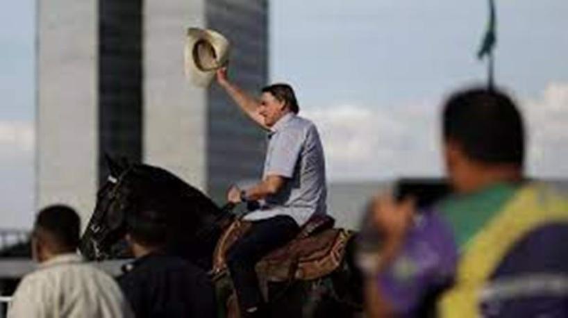 Brésil: manifestations pour soutenir Bolsonaro, visé par une commission parlementaire
