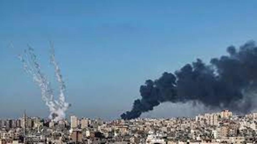 Proche-Orient: l'Égypte tente une médiation et ouvre ses frontières aux blessés de Gaza