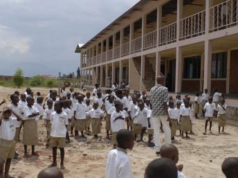 L'école Carolus-Magnus-Schule (Charlemagne) au Burundi. Bernd Weisbrod/wikimedia.org