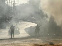 Abra, près de Saïda, dans le sud du Liban, le lundi 24 juin 2013 : des soldats donnent des instructions à un char.