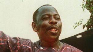 Ken Saro Wiwa, le plus célèbre des condamnés a mort éxécutés au Nigéria