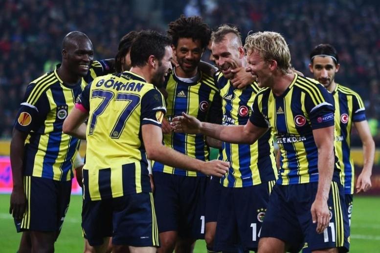 Foot-Ball/Matchs truqués : les clubs turcs de Fenerbahçe et de Besiktas privés d'Europe