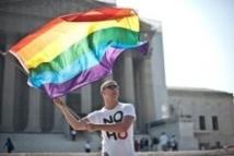Etats-Unis: la justice tranche sur le mariage en faveur des couples gay