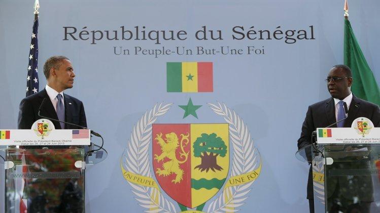 """Visite: Barack Obama regrette de ne pas suivre du """"catch"""" sénégalais"""