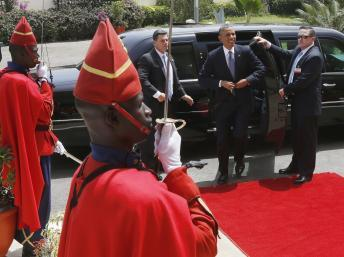 Le président américain, Barack Obama, arrive à la Cour suprême de Dakar, au Sénégal, le 27 juin 2013. REUTERS/Jason Reed