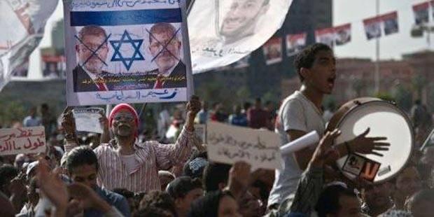 Egypte: tensions à l'approche du premier anniversaire de l'arrivée au pouvoir de Mohamed Morsi