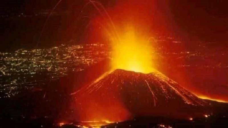 RDC: le volcan Nyiragongo, près de Goma, entre en éruption
