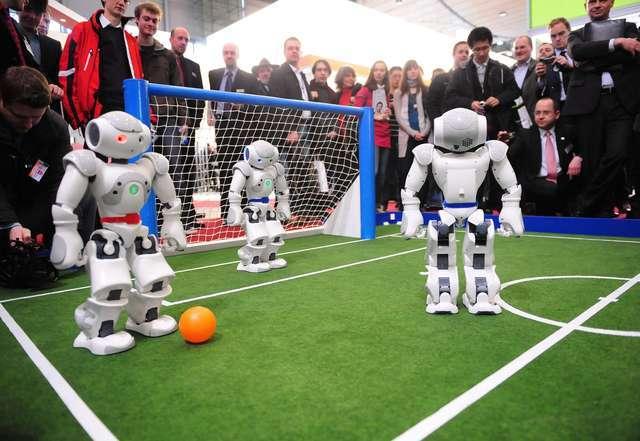 Les robots-footballeurs ont débuté leur Coupe du monde