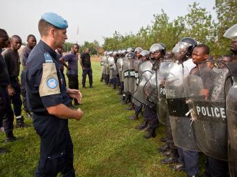 La Minusma soutient les autorités de transition : formation, assistance technique et entraînement des forces de police dans la banlieue de Bamako. Photo: MINUSMA / Blagoje Grujic