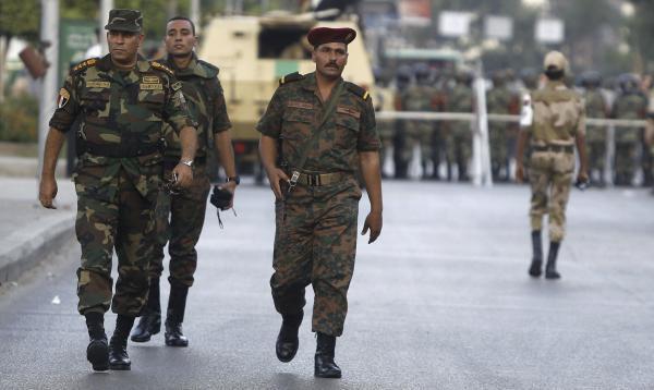Egypte: Mohamed Morsi détenu par l'armée, ses partisans dénoncent un coup d'Etat