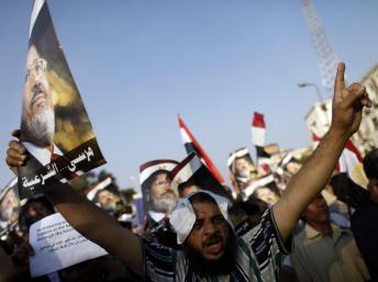 Egypte: les forces de sécurité ouvrent le feu lors d'une manifestation pro-Morsi