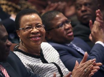 Graça Machel, la troisième femme de Nelson Mandela. REUTERS/Siphiwe Sibeko
