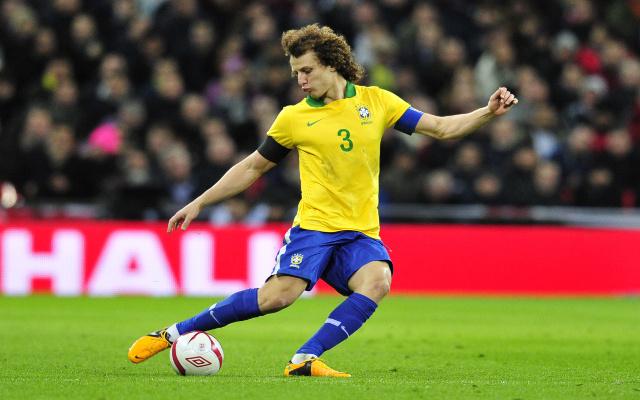 Chelsea: Un duel Barça-PSG pour David Luiz ?