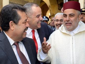 Le Premier ministre marocain, Abdelilah Benkirane (D) et le maire de Fes et secrétaire général de l'Istiqlal, Hamid Chabat (G) en février 2013. AFP / Senna