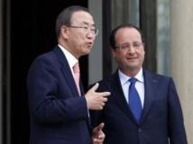 Ban Ki-moon et François Hollande sur le perron de l'Elysée, à Paris, le 15 juillet 2013.