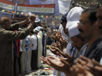 Egypte: les Frères musulmans tentent de paralyser Le Caire