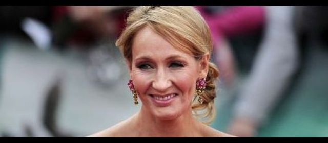 J.K Rowling, l'auteure de la saga Harry Potter, a été découverte derrière un roman policier écrit sous un pseudonyme masculin. | AFP