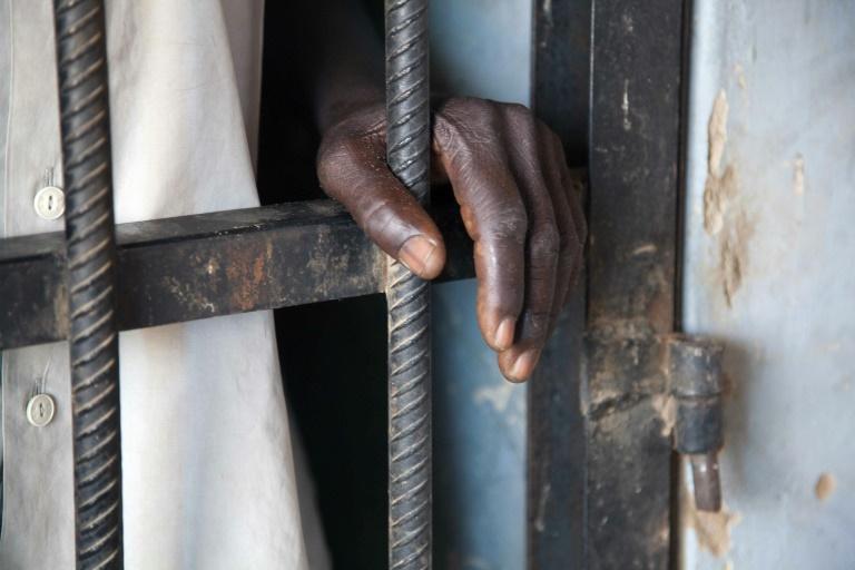 Les gueux ! La chronique salée de KACCOR sur le suicide du complice de Boy Djinné