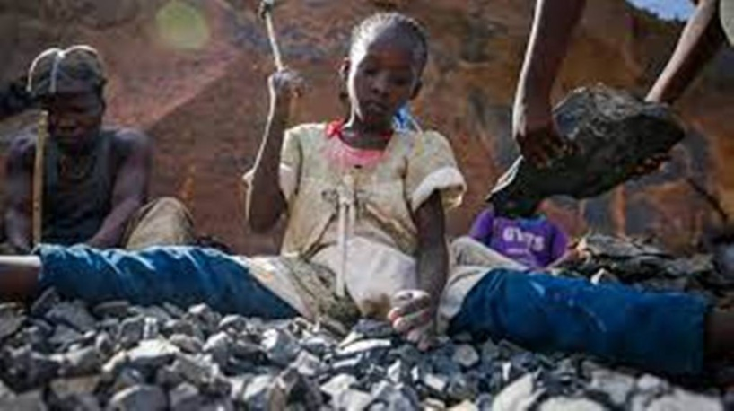 Covid-19: les enfants astreints au travail sont de plus en plus nombreux