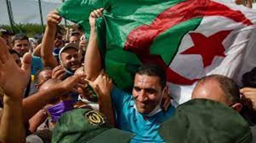 Algérie : trois figures de la contestation arrêtées avant les élections législatives