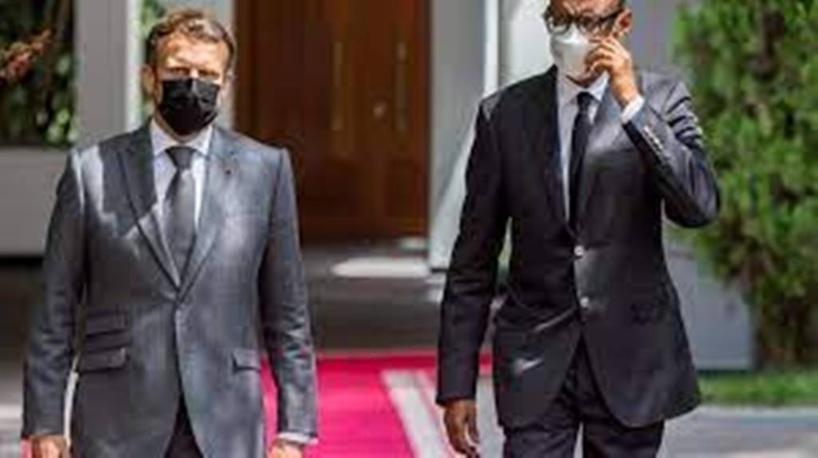 Brésil: Jair Bolsonaro reçoit une amende pour non port du masque