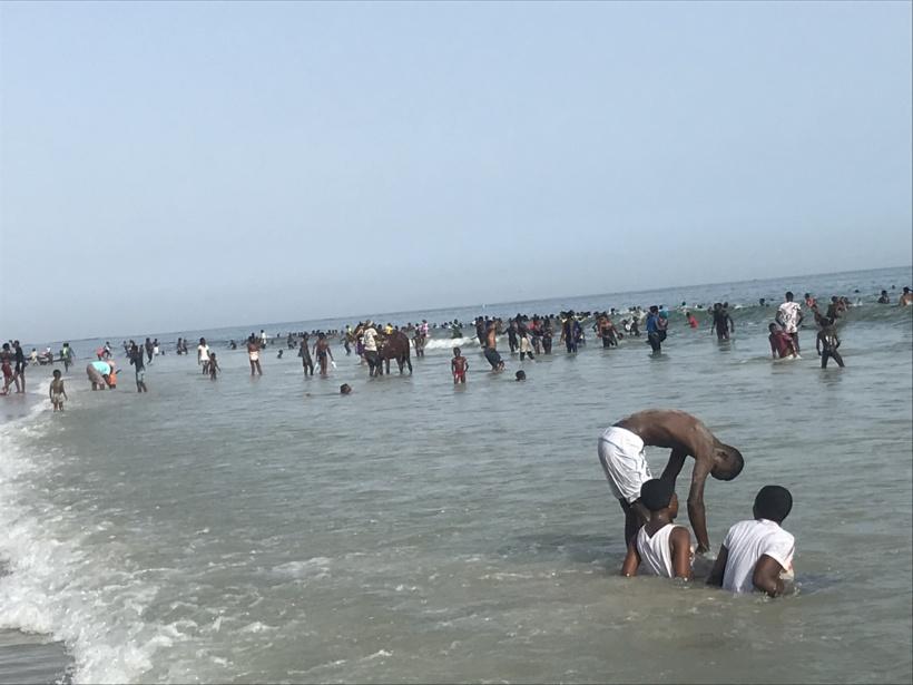 Plage de la cité Sipres de Mbao: quand des pervers profitent des bains en foule pour violer les filles