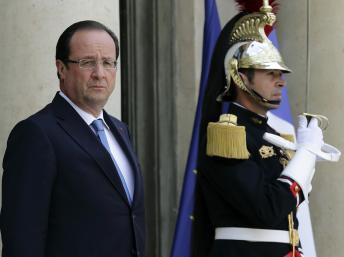 François Hollande sur le perron de l'Elysée, le 17 juillet 2013. REUTERS/Philippe Wojazer