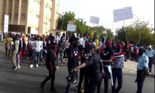 Kaolack : plusieurs étudiants arrêtés au cours d'une violente manifestation