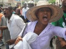 Des milliers d'Haïtiens manifestent à Port-au-Prince le 19 juillet 2013 contre une éventuelle loi autorisant le mariage aux couples homosexuels.