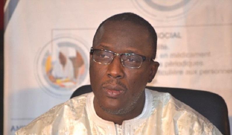 Cheikh Oumar Anne: un ministre au CV long comme le bras et au niveau de langue si douteux