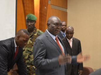 Le président de la transition Michel Djotodia a signé le décret de promulgation de la charte de transition. Photo AFP / Patrick Fort