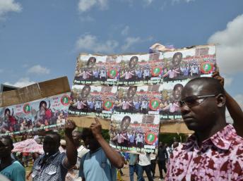 A Ouagadougou, une manifestation contre le gouvernement et le Sénat, en juin 2013. Le mouvement Le balai citoyen se situe dans cette mouvance. AFP PHOTO Yempabou OUOBA