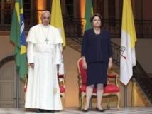 Brésil : Dilma Rousseff accueille le pape à Rio avec un discours très politique