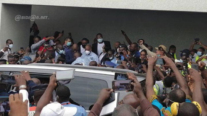 Abidjan: Laurent Gbagbo accueilli par des proches et une foule en liesse