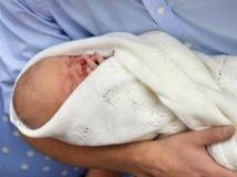 Royaume-Uni: les premières images du bébé royal
