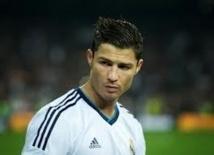 Real Madrid : Ronaldo casse le bras d'un enfant