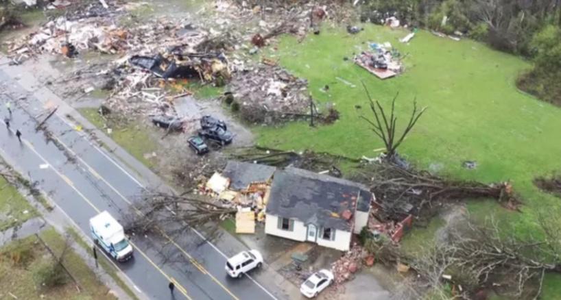 Alabama: 10 morts dont 9 enfants dans un carambolage, «probablement» dû à la tempête