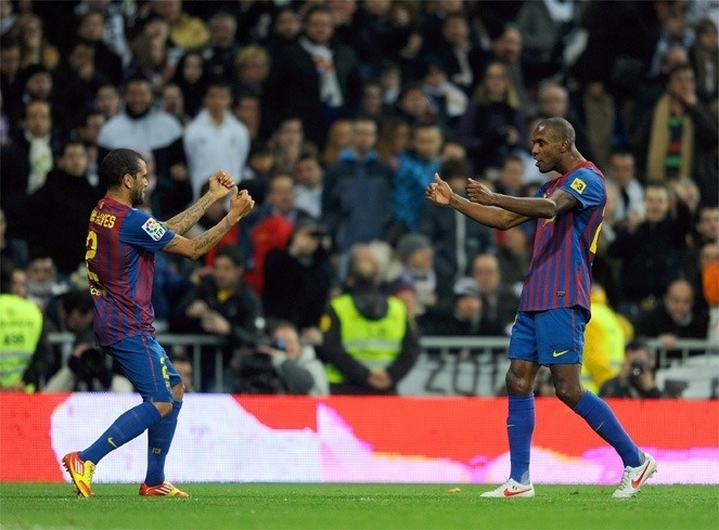 Barça: Alves récupère le n°22 d'Abidal