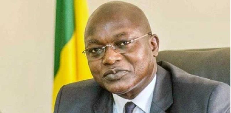 En visite à Keur Ndiaye Lô, le ministre Oumar Gueye hué et chassé à coups de pierres