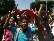 A Tunis, ils étaient à peine un millier d'opposants à manifester ce vendredi 26 juillet. REUTERS/Anis Mili