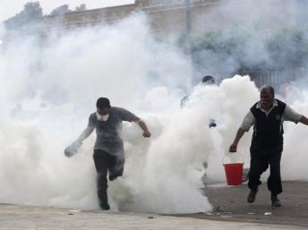 Les affrontements sporadiques entre forces de l'ordre et supporters de l'ex-président Morsi se poursuivent ce samedi 27 juillet 2013. REUTERS/Asmaa Waguih