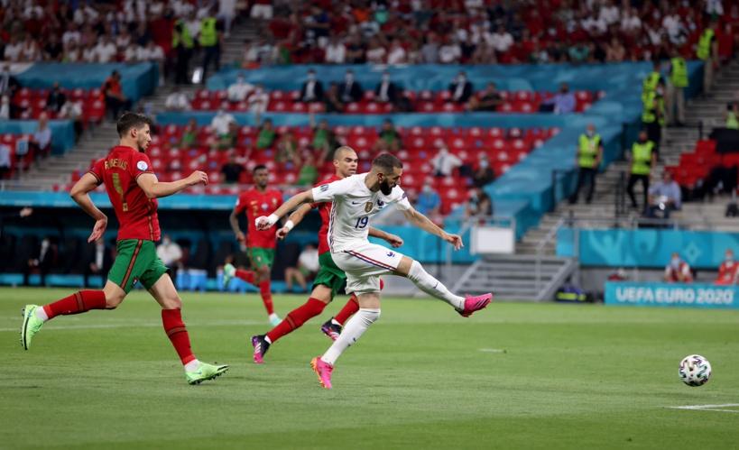 La France finit première du groupe après un match fou contre le Portugal et affrontera la Suisse en 8es