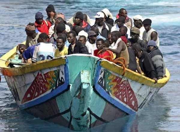 Une trentaine de migrants africains ont disparu en mer au large des côtes libyennes en tentant de gagner les côtes italiennes (presse)