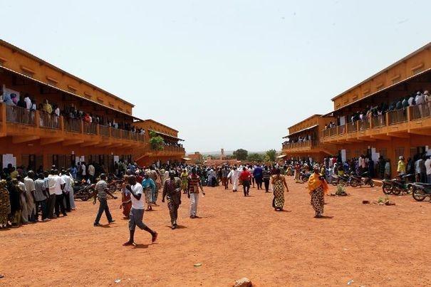 Présidentielle au Mali: dans l'attente des résultats d'un scrutin sans incident majeur