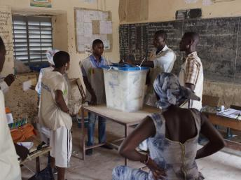 Présidentielle au Mali: taux de participation « autour de 50% »