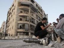 Syrie: l'aviation de Bachar el-Assad continue son offensive contre Homs et Alep, villes rebelles