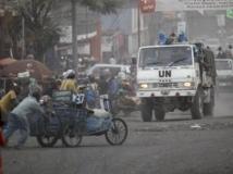 Un convoi de la Monusco a été la cible de jets de pierre dans les rues de Goma, ce vendredi 2 août. REUTERS/Thomas Mukoya