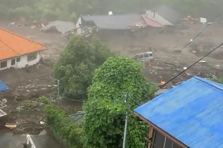 Japon: au moins 19 personnes portées disparues après des glissements de terrain dans la région de Shizuoka