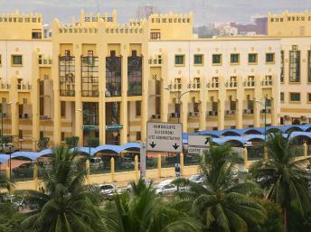 A Bamako, comme dans le reste du Mali, on continue d'attendre les résultats définitifs du premier tour. RFI/René-Worms